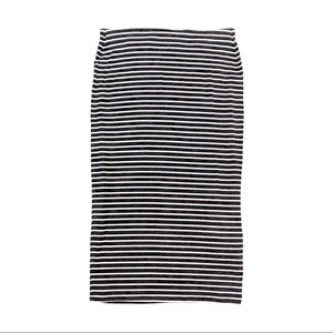 Old Navy Black and White Striped Pencil Skirt M